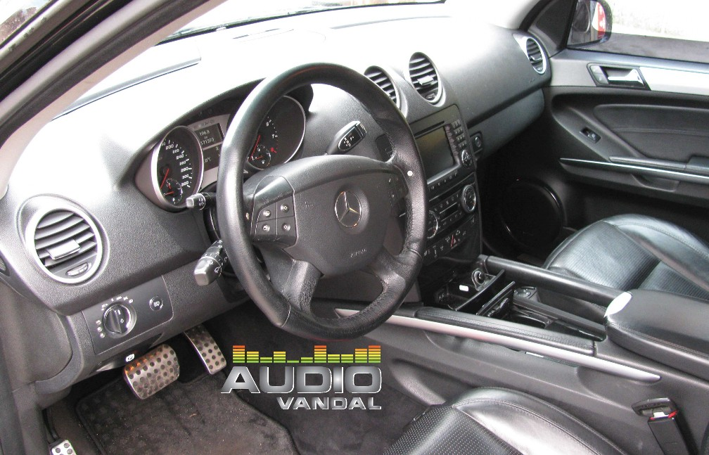 Audio Vandal Mercedes ML 6.3 AMG Car audio projrct